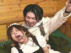 ジャンスカとシャツが拷問で血に染まる!衣服を切り刻むハードSM