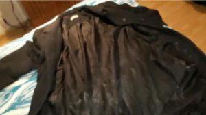 コートの裏地で布コキ射精!黒い化繊生地に濃厚ザーメンをぶっかけろ