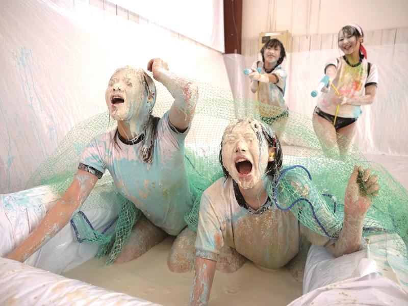 ブルマと体操着を汚すWAM運動会!ウェット&メッシーで美少女汚濁